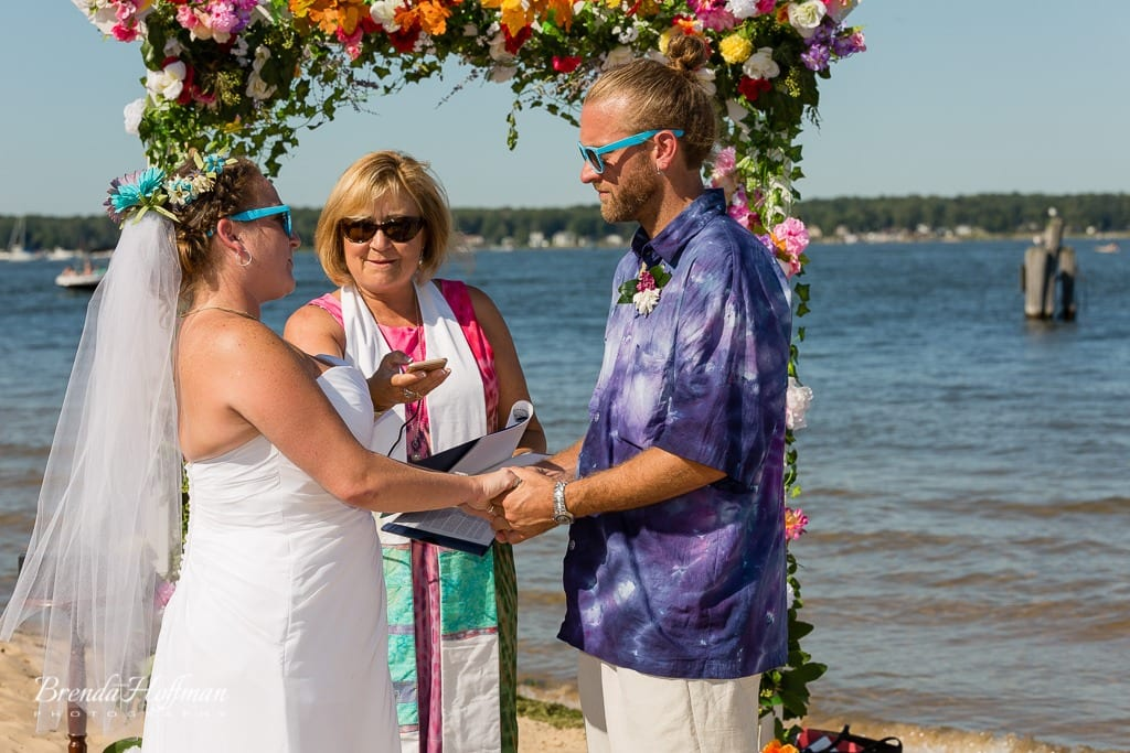 beach-wedding-muskegon-tie-dyed-haggars-hideaway-muskegon-country-club-trolly-029
