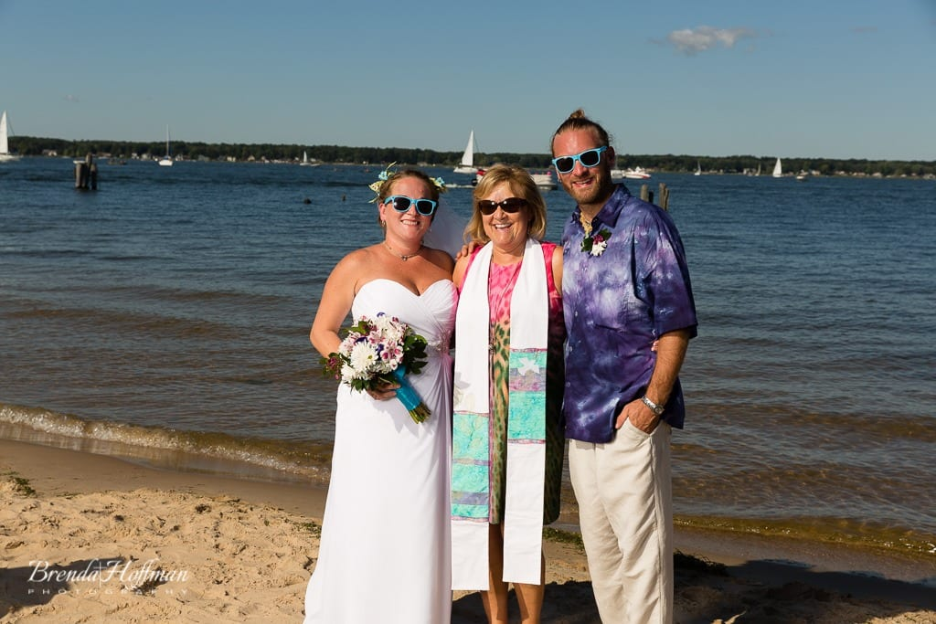beach-wedding-muskegon-tie-dyed-haggars-hideaway-muskegon-country-club-trolly-040
