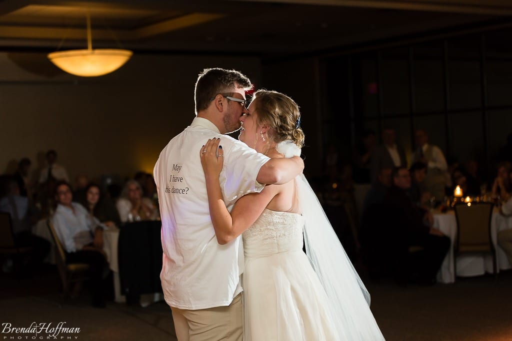 bride-dance-father-daughter-crying-brothers-019
