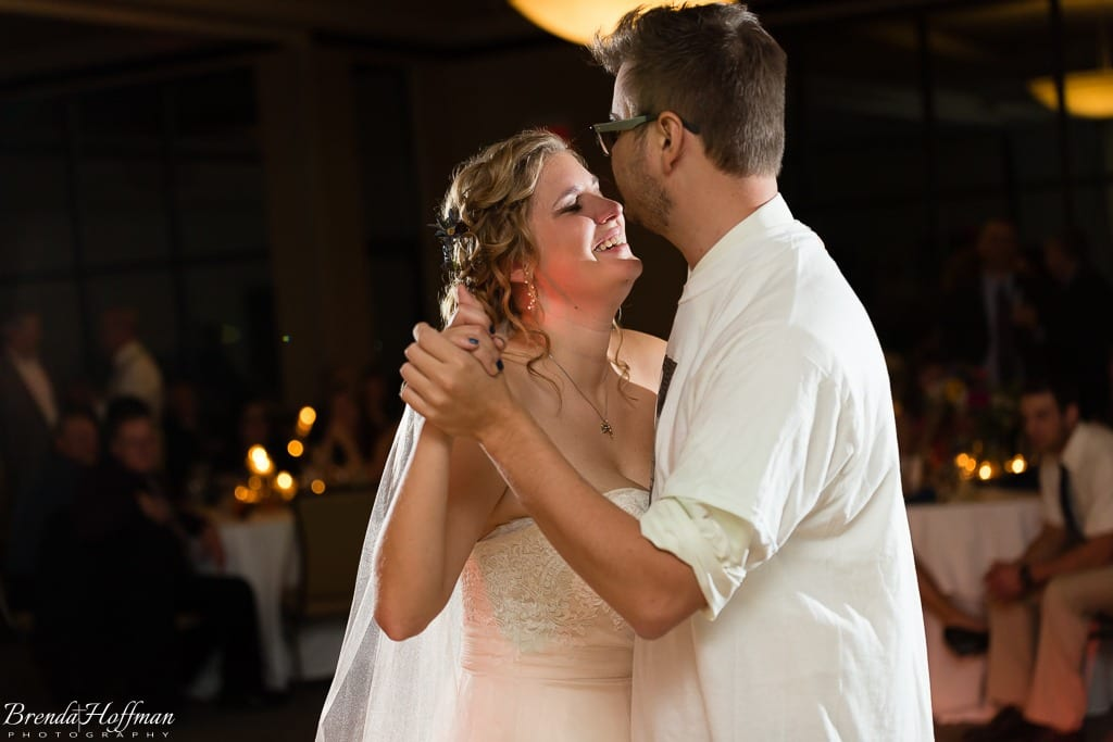 bride-dance-father-daughter-crying-brothers-023