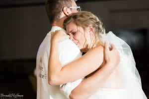 Bride-Dance-Father-Daughter-Crying-Brothers-025