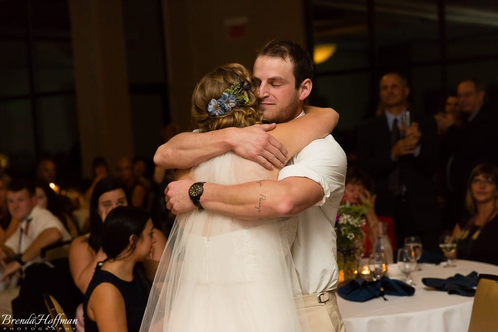 bride-dance-father-daughter-crying-brothers-027