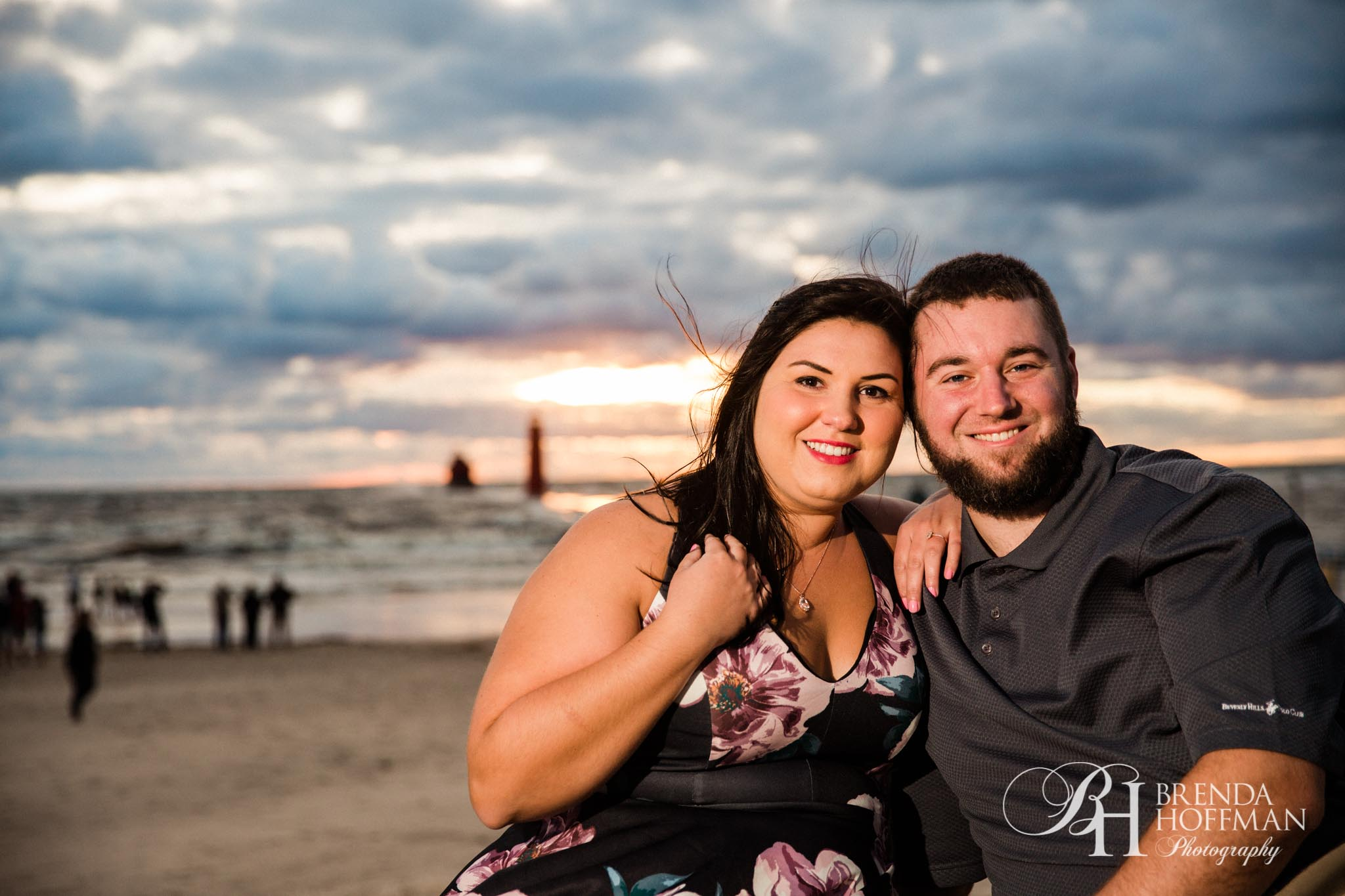 Grand Haven MI Central Park Beach Engagement 09