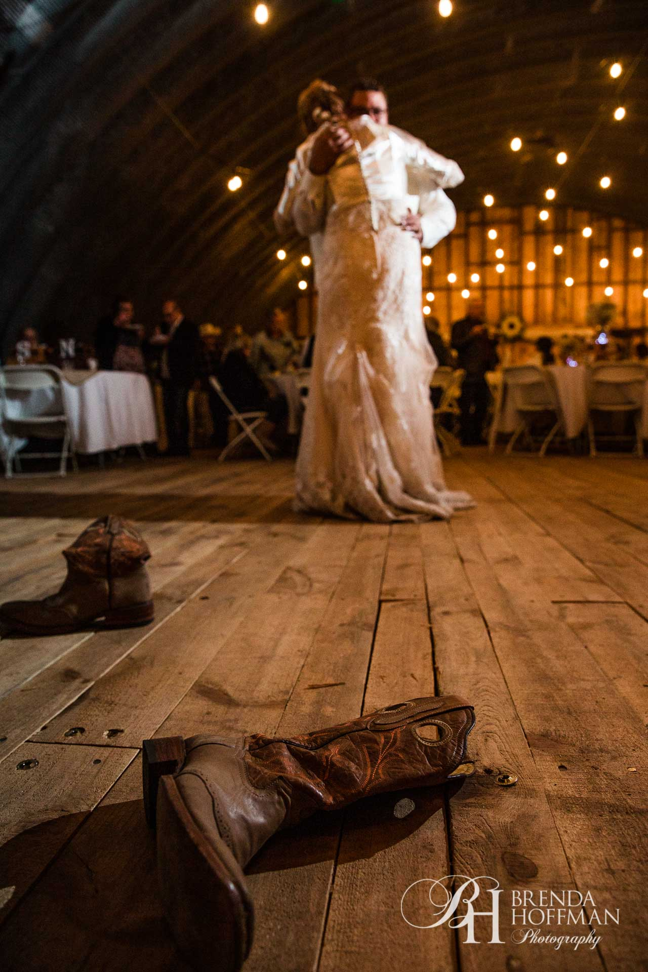 Grand Rapids MI Fall Barn Wedding 28