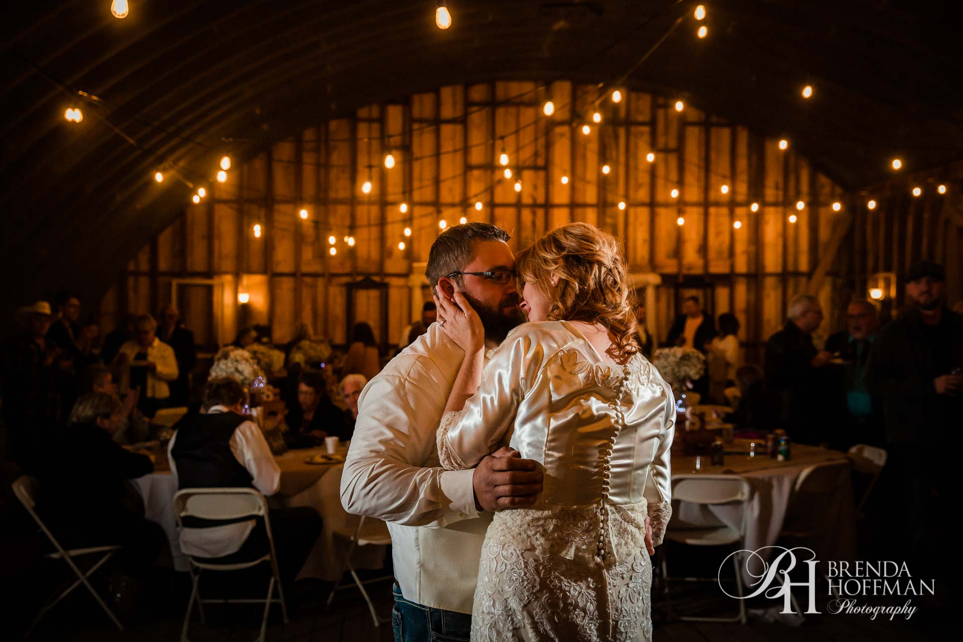 Grand Rapids MI Fall Barn Wedding 31