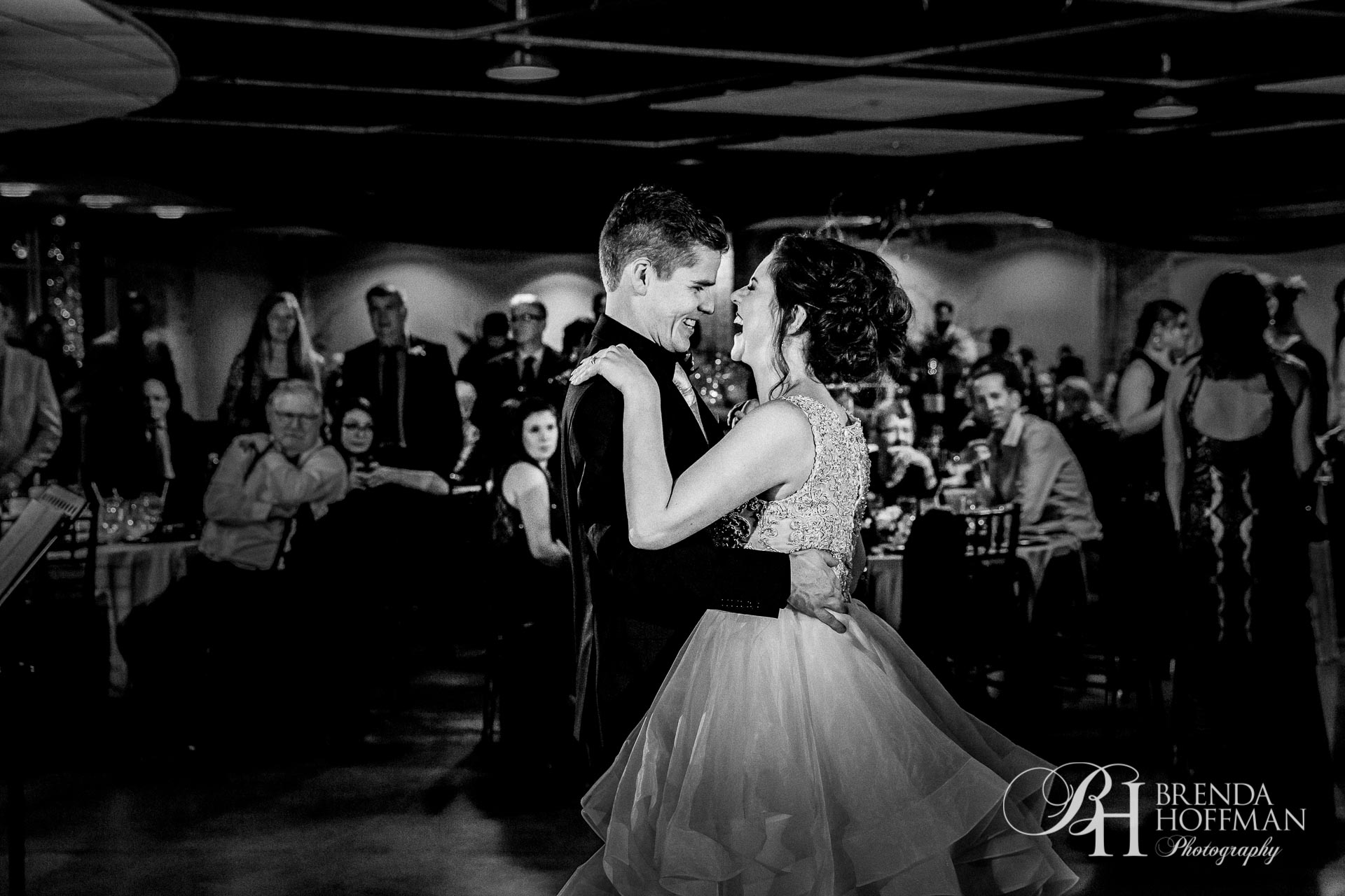 Wedding Photography Muskegon Mi: Muskegon MI Wedding - Brenda Hoffman